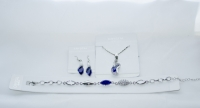 Комплект бижутерии с темно синими камнями сваровски