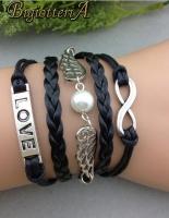 Черный браслет LOVE